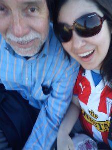 Con mi papá en el estadio.