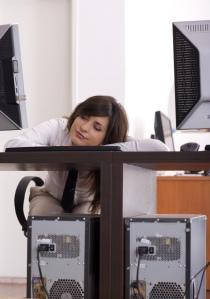 Cansada en la oficina
